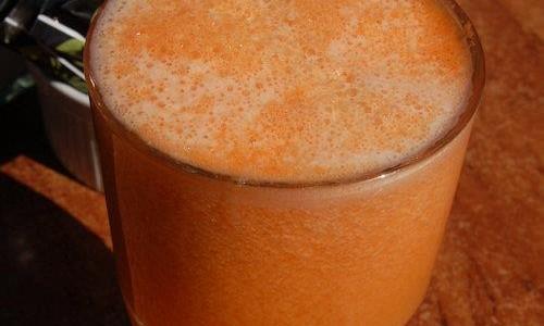 melounovo-ananasovy-koktejl